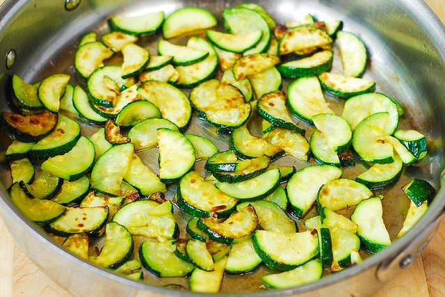 calabacín para cocinar en aceite de oliva