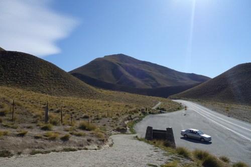 07 Road to Lake Tekapo-10 Moonscape