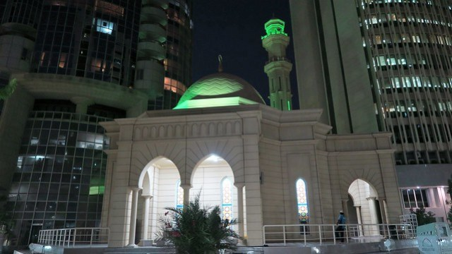 Abdullah Hameed Al Habishee outside