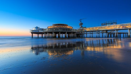 Scheveningse pier at blue hour
