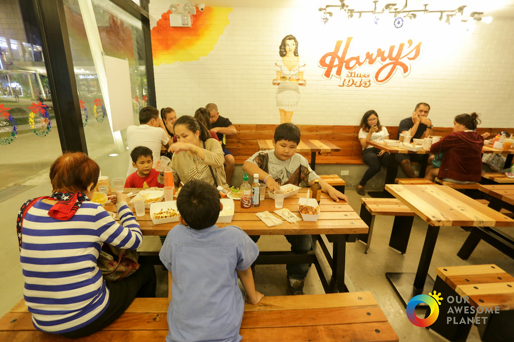 Harry's Cafe de Wheels-43.jpg