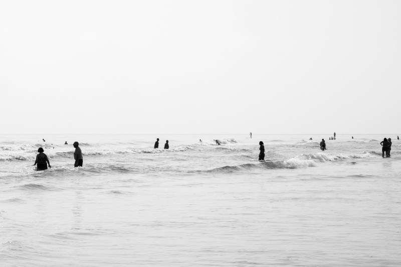 Morning beach crowd