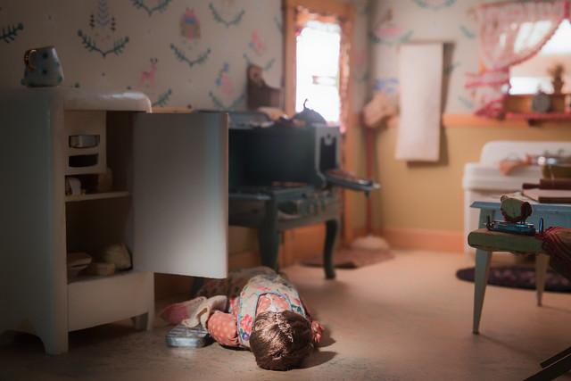 Nutshell Studies of Unexplained Death, Kitchen diorama