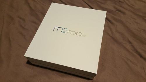กล่องของ Meizu m2 note ดูดีทีเดียว