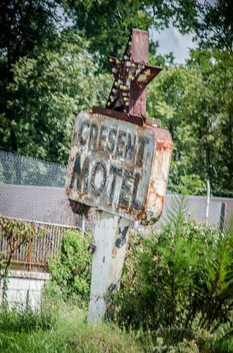Crescent Motel-002