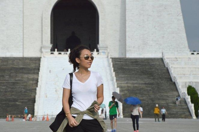 aviators sunglasses, white t-shirt, black ankle pants, cos black tote bag, zara green military parka