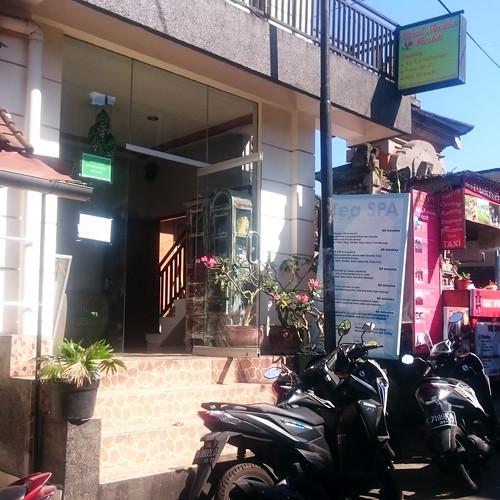 Ubud Market Hostel Signage