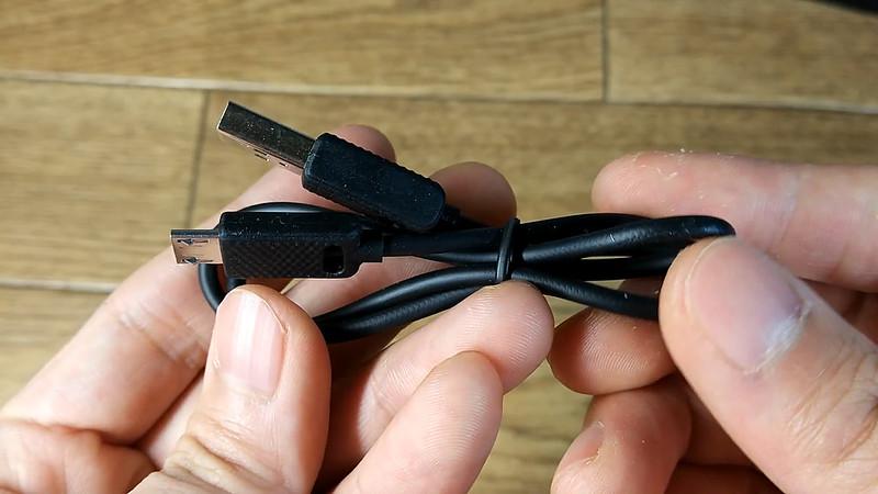 NC-300 ONDTECH Bluetoothイヤホン.Still011