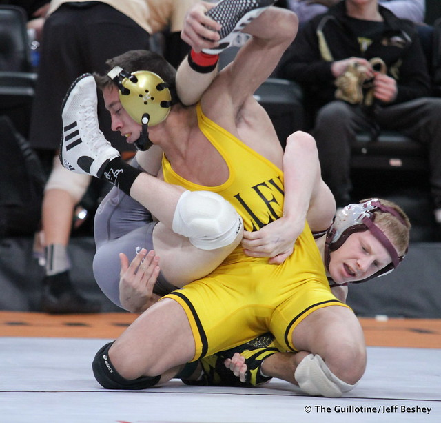 132 - Sebas Swiggum (Apple Valley) over Scott Springer (Anoka) Dec 7-3