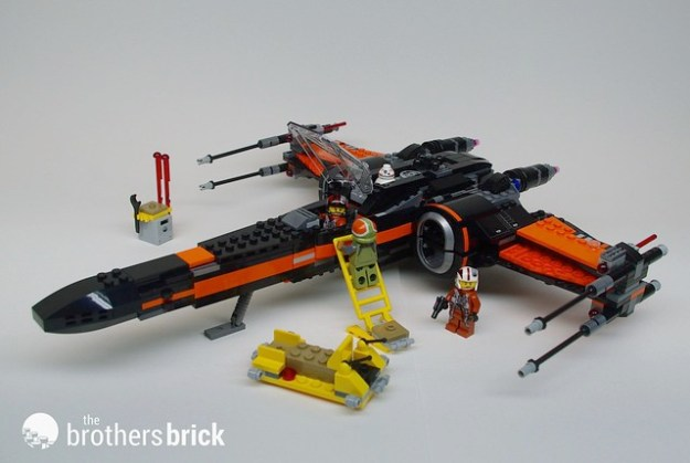 LEGO Star Wars 75102 Poe's X-wing Fighter from the Force Awakens ...