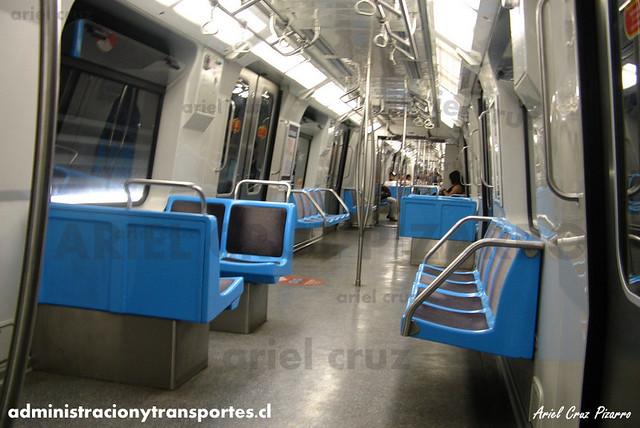 Metro de Santiago - Alstom NS2004 N2088 - Manquehue (L1)
