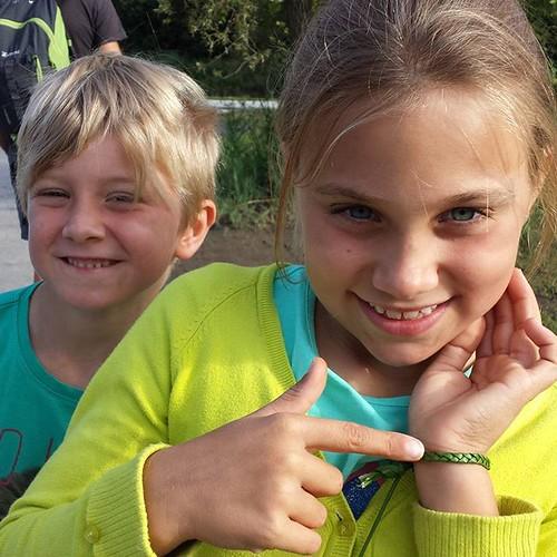 Al vroeg op stap ... natuurwandeling door #provincieantwerpen met gids in de schorre. Maar de kinderen zijn nog het meest onder de indruk van de schoon armbandjes die ik kan maken.