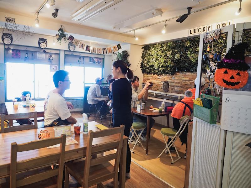 Lucky-Owl-Cafe-Osaka-12
