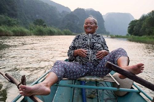 Pedal pusher. Tam Coc river