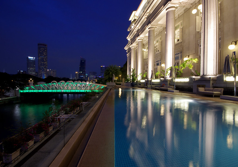 fullerton hotel swimming pool
