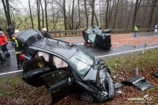 Schwerer Verkehrsunfall B275 Taunusstein-Neuhof 16.12.15