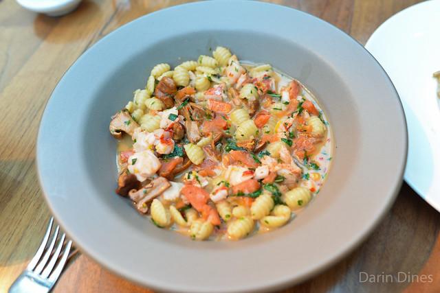 Gnocchetti Sardi maine lobster, tomato confit, chanterelles, fines herbes
