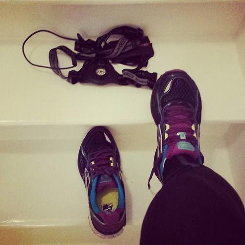 De moeilijkste meters zijn die van de zetel naar de voordeur #teamdecathlon #iloverunning #instarunners #nevernotrunning #brooksghost8