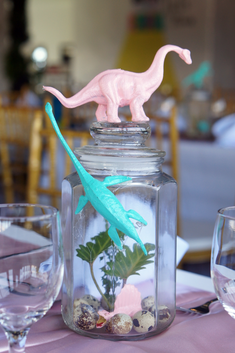 1 Homemade Parties DIY Party_Dinosaur Party_Emma05