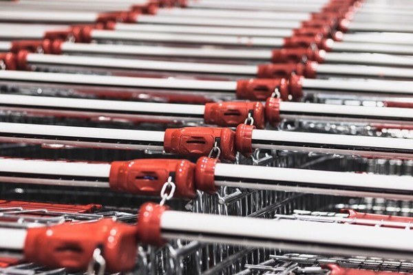 Shopping Cart by Alexandru Tugui on Unsplash | DarlaOct.com