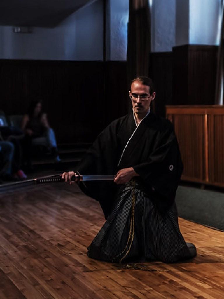 Demostración de Musô Jikiden Eishin ryû iaijutsu en la Universidad Politécnica de Quito.