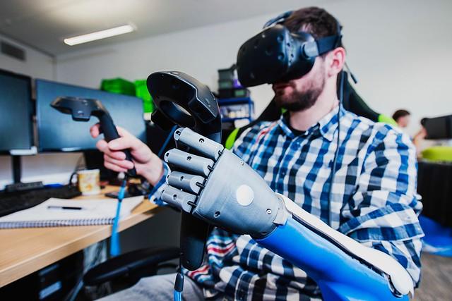 Abra Bionics - Hero Arm Gaming