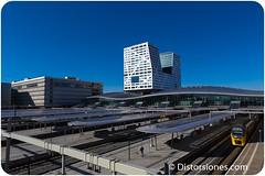 Utrecht Centraal, Stadskantoor y el  Beatrix Theater