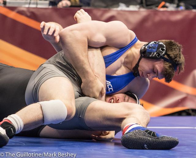 285 Cons. Semi - Jacob Kasper (Duke) 39-4 won by fall over Samuel Stoll (Iowa) 25-6 (Fall 1:17) - 180317bmk0024