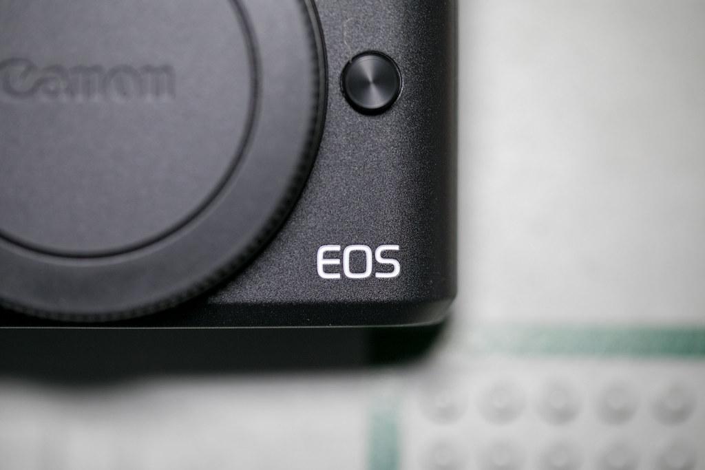 EOS Kiss M ファーストインプレッション
