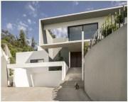 Rumah Minimalis Di Lo Barnechea, Chile