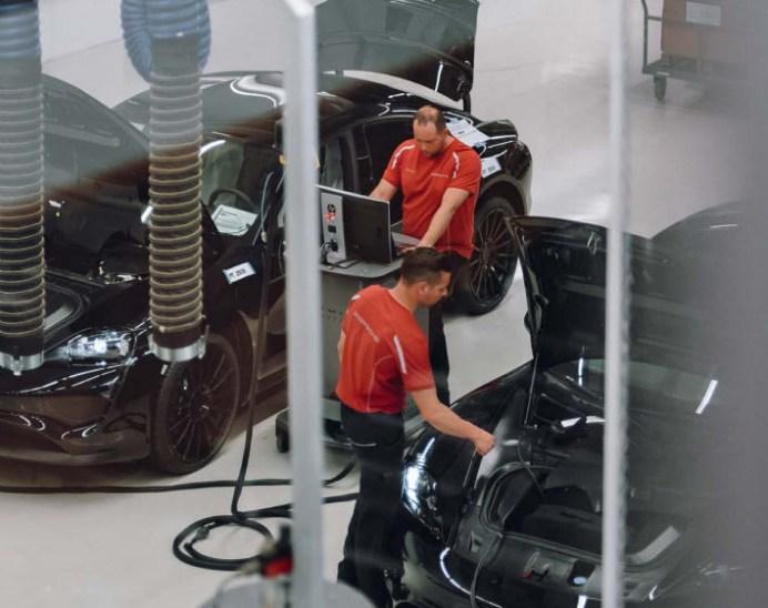 Porsche-Mission-E-2-2