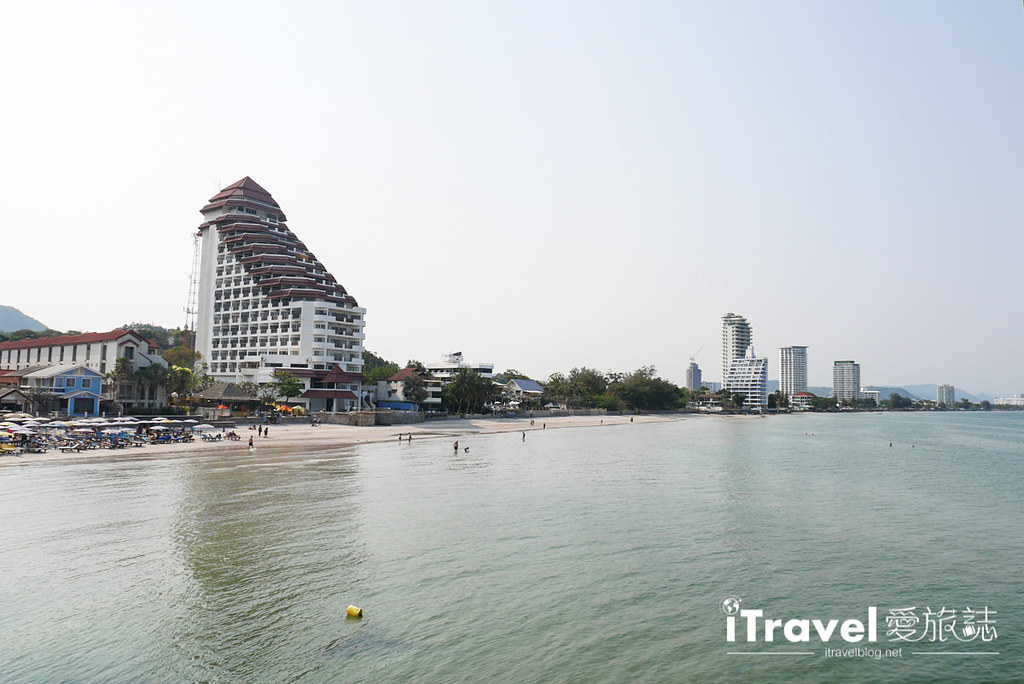 華欣景點推薦 筷子山海灘Khao Takiab beach (16)