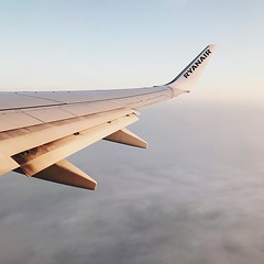 #ready #set #fly #travel #season is #open #sunrise #takeoff #flight #wing #brussel #wanderlust #travel #travelphotography #vsco #vscocam #guardiantravelsnaps #airplane #clouds #landscape