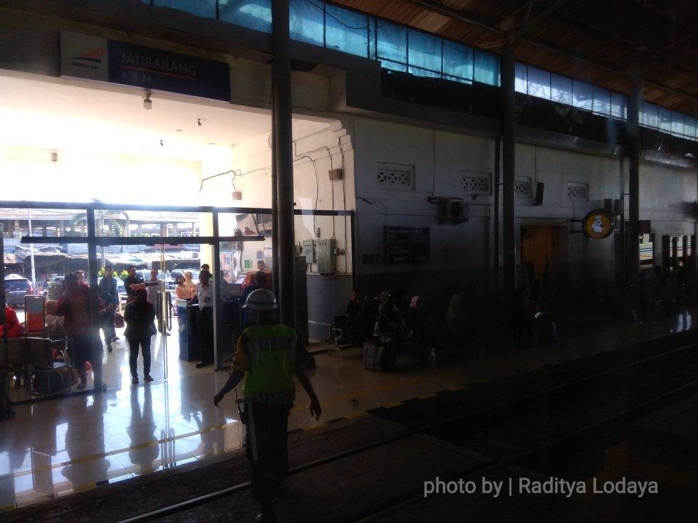 23 TRIP REPORT KERETA API JAYABAYA 1 (JAKARTA-CIREBON) -- STASIUN JATIBARANG