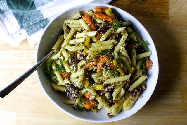 pasta salad with roasted carrots and sunflower dressing