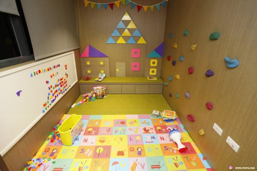 免費LoungeBar,台中住宿,吉祥物啾比,回珈啡,回藝空間,星空迴廊,有小兒童遊戲室,親子飯店,逢甲夜市住宿 @VIVIYU小世界