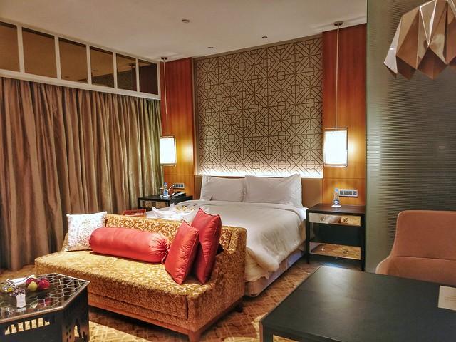 ITC Kohenur Room