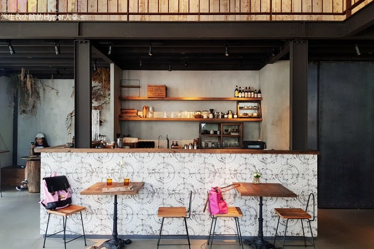 29737044698 b615cdfb3d c - 集合服飾店與咖啡廳的古董時尚風格小店-KiiTO KiiTO cafe,闆娘可是大有來頭呦~