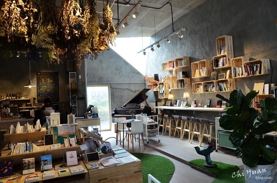 青鳥書店11.JPG
