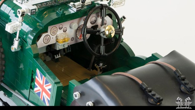 1930 Bentley Blower in Lego 1:8,5 (interior with cover)