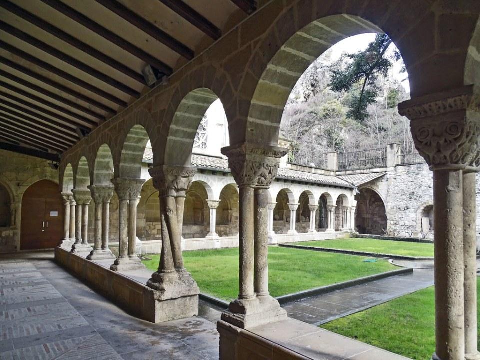 Claustro Iglesia San Pedro de la Rua exterior Estella Navarra 04