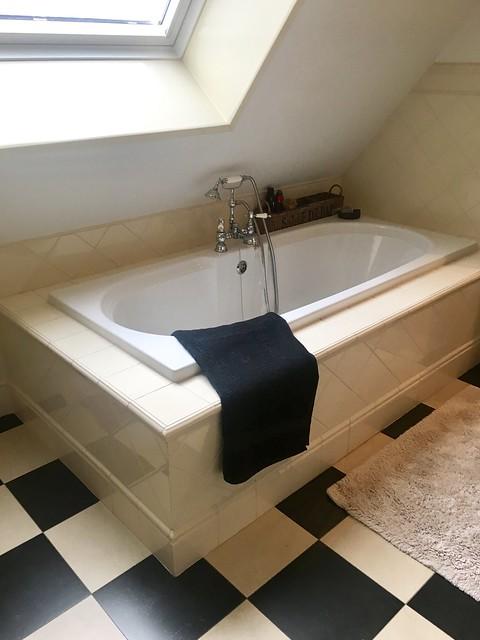 Zwart witte tegels badkamer