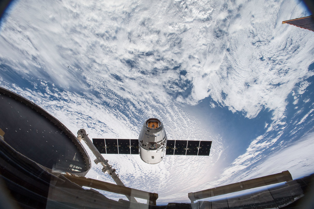 SpaceX Dragon Approaches the Station