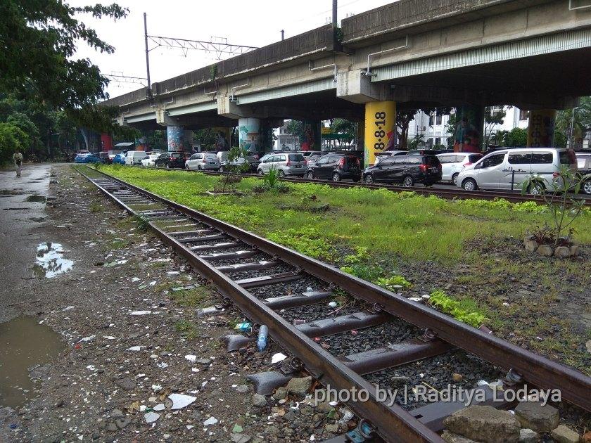 Bekas Jalur Kereta Api Kota Manggarai (Bawah) di Stasiun Gambir (2/2)