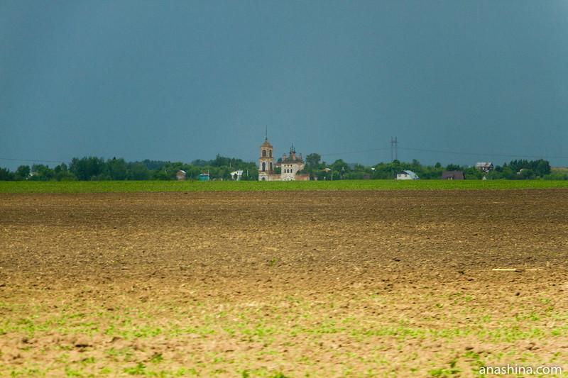 Церковь Флора и Лавра в селе Кибол