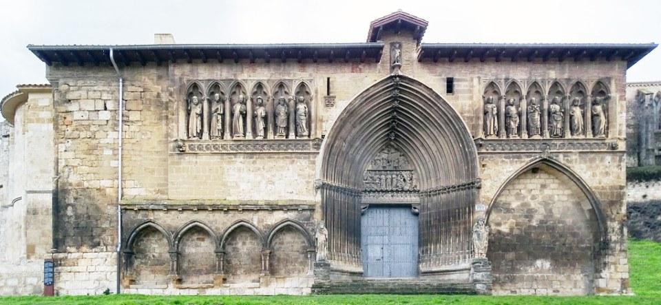 fachada exterior Iglesia del Santo Sepulcro Estella Navarra 01