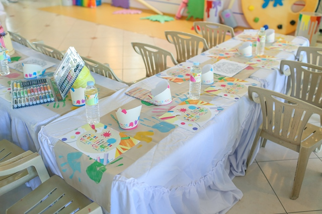 kiddie table (1)