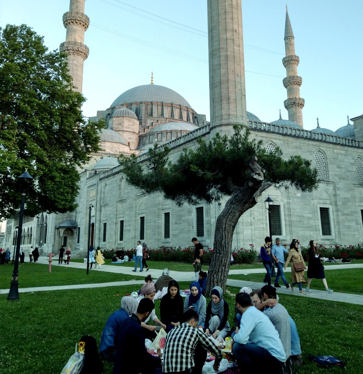 7) Iftar gathering at Suleimaniye Mosque