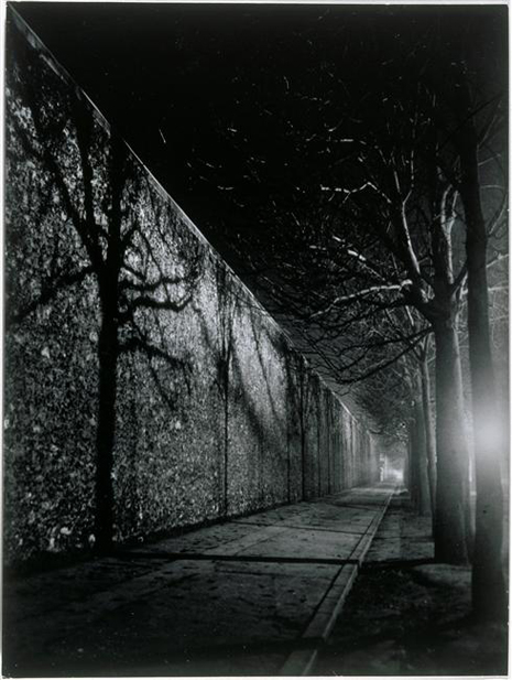 Le mur de la prison de la Santé, boulevard Arago 1932 Uti 465