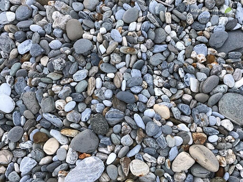 圖說:北濱公園海岸上美麗的鵝卵石們。